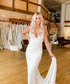 Gowns, Wedding Dresses, Fashion, Vestidos, Bride Dresses, Moda, Dresses, Bridal Gowns, Fashion Styles