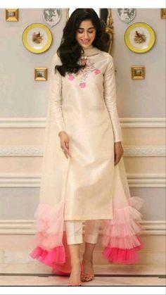 Party Wear Indian Dresses, Pakistani Fashion Party Wear, Designer Party Wear Dresses, Pakistani Dresses Casual, Indian Gowns Dresses, Kurti Designs Party Wear, Dress Indian Style, Indian Fashion Dresses, Pakistani Dress Design