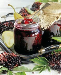 Jablkovo bezový džem Homemade Jelly, Elderberry Syrup, Home Canning, Jam And Jelly, American Food, Eat Smarter, Canning Recipes, Preserves, Sweet Recipes