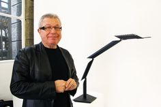 daniel libeskind: paragon table lamp for artemide