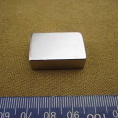 新しいxビッグスーパーストロング立方体ブロック磁石希土類ネオジムn50 30 × 20 × 10ミリメートル30*20*10ミリメートル送料無料