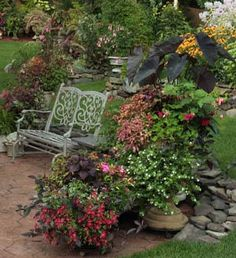 Tips for grouping garden containers.