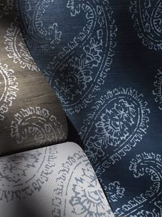 A #classic #paisley #motif with #ethnic influences from around the globe, #BatikChic by #PhillipJeffries merges #traditional elements with #modern enlarged edge. #wallcovering