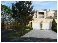13901 Sw 86 CT  Palmetto Bay, FL 33158  $410000