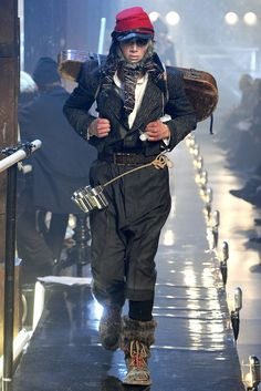 John Galliano Fall 2011 Menswear Fashion Show,look 8