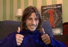 Jay Kay thumbs up