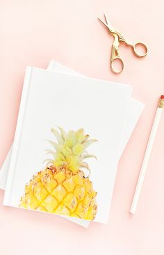 DIY Pineapple Notebook by Maritza Lisa for The House Of Wood - Hop on over to The House Of Wood for this fun tutorial using Printable Tattoo Paper Diy Mother's Day Crafts, Mother's Day Diy, Paper Crafts, Diy Paper, Diy Mothers Day Gifts, Gifts For Mom, Tattoo Papier, Printable Tattoos, Draw