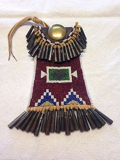 native-American-plains-beaded-leather-tin-cones-strike-a-lite-bag