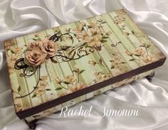 Caixa verde-arte com scrapdecor -Rachel Simonini