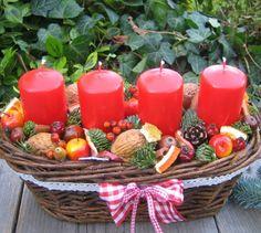 Košíček s jablíčky - sleva z / Zboží prodejce Silene Pillar Candles, Christening, Christmas Crafts, Basket, Table Decorations, Simple, Home Decor, Christmas Decor, Desktop