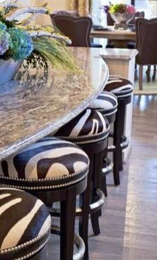 Zebra print bar stools, add a bit of whimsy in a traditional kitchen. Animal Print Furniture, Animal Print Decor, Animal Prints, African Interior, African Home Decor, Bar Cart Decor, Chaise Bar, Bar Furniture, Furniture Shopping