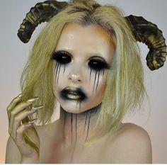Halloween Makeup Ideas and Halloween Horror Nights Party Countdown Demon Halloween Costume, Demon Costume, Creepy Halloween Makeup, Creepy Makeup, Halloween Looks, Halloween Horror, Halloween Ideas, Horror Makeup, Halloween 2020