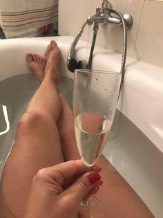 madamesarka : Ready for bath? Worship my #feet???! #Femdom #fetish #footfetish https://t.co/wBI8Rem47R | Twicsy - Twitter Picture Discovery