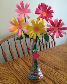 vase de fleurs en papier multicolores faciles à fabriquer, idée activité manuelle maternelle et primaire printemps