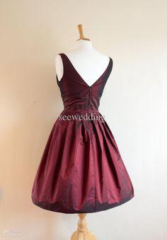 1950-luvun mekko takaa
