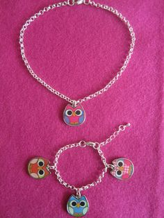 For little Caleigh-Lynn of 1,5 years old I made this cute owl set.Jasseron chain with enamel owl pendant.