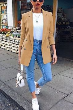 If you're looking for a casual wear, lapel coat look no further than this! Our casual coat will add an instant style upgrade to your closet. Blazer Outfits Casual, Blazer Outfits For Women, Business Casual Outfits For Women, Cute Casual Outfits, Stylish Outfits, Blazer And Jeans Outfit Women, Casual Wear, Elegantes Business Outfit, Look Fashion