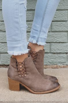 Strappy Cutout Ankle Almond Toe Booties Tobin-42