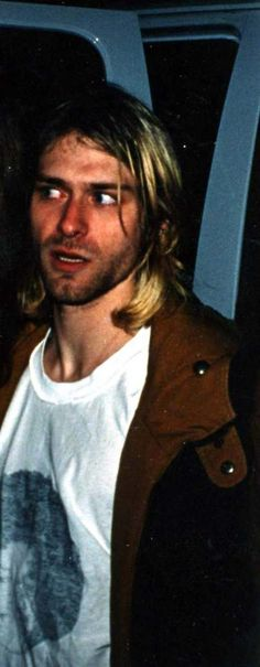 kurt_cobain_michael_jackson_shirt_tee