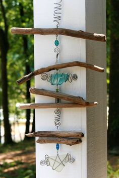 Beach Glass Driftwood SunCatcher made with Reclaimed Materials, Whimsical Modern Rustic Porch Decor measures 25 by 15 inches – CRAFTEREST Driftwood Mobile, Driftwood Beach, Driftwood Art, Beach Crafts, Diy Crafts, Carillons Diy, Driftwood Projects, Driftwood Ideas, Diy Wind Chimes