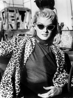Jane Russell as a blond - look at those sunglasses and that jacket!  Meow!