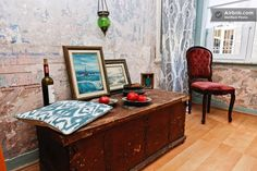 I want to stay here: bohemian flat with murals in Galata in Istanbul!