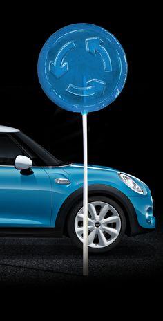Con MINI, las curvas también se saborean. ¿Todavía no lo has probado? Es pura diversión. www.pruebaunmini.com