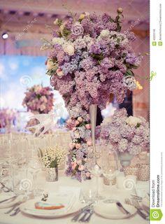 festive-table-decoration-lilac-colours-wedding-decorations-43203749.jpg (957×1300)