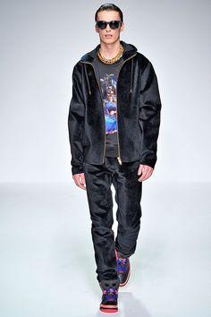 Katie Eary (Autumn - Winter 2013/2014, menswear, catwalk) - London Fashion Week (Catwalks & Presentations) - Autumn -Winter 2013/2014 (men) - Autumn -Winter 2013/2014 - Collections - All about fashion