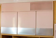 Man Finds Awesome Retro Kitchen That Hasn't Been Touched Since 1956 (Photos)