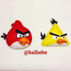 Emir bebek için hazırlamaya devam ettiğimiz, keçeden yapılmış angry birds kuşlu kapısüsü. Kızgın kuşlar.  #angy #birds #angrybirds #felting #feltro #keçe #keçeden #keçeişi #keçemagnet #keçeçerçeve #keçetasarım #keçekapısüsü #keçebebek #keçesüs #bebek #bebeksekeri #bebekhediyesi #doğumgünü #doğumgünüorganizasyonu