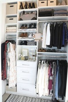 Sharing our method and 5 steps that make closet purging and organizing so much easier and even faster. By staying on task and color coordinating clothes, you can purge your closet in under an hour! Closet Renovation, Closet Remodel, Bedroom Closet Design, Closet Designs, Small Closet Organization, Closet Storage, Wardrobe Storage, Small Closets, Easy Closets