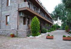 Assos Park, Assos Park Hotel veya Assos Park Otel olarak bilinen otelin detayları, resimleri, rezervasyon bilgileri, ve Assos Otelleri Alsero Turda.