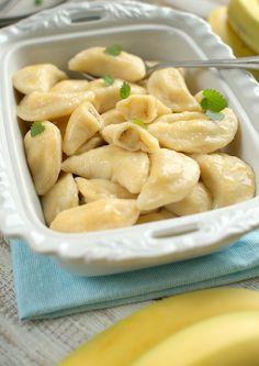 Serowe pierożki z bananem