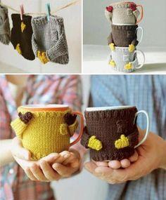 Knitted Sweater Mug Warmer Knitting Projects, Crochet Projects, Knitting Patterns, Sewing Projects, Crochet Patterns, Sweater Patterns, Knitting Tutorials, Stitch Patterns, Crochet Mug Cozy