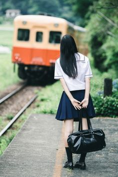 田舎女子高生の通学風景 | 人物 > 学生の写真 | GANREF