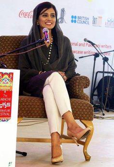 #Hina #Rabbani #Khar with #Nirmal #Singh Hina Rabbani Khar, Designer Punjabi Suits, Indian Designer Wear, Calming Pictures, Indian Suits, Indian Wear, Salwar Suits, Salwar Kameez, Formal Shirts