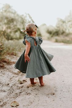 Miya & Ma from Adelaide, Australia. Handmade, natural and vintage inspired clothes and accessories for little ones. With a sunny spirit.