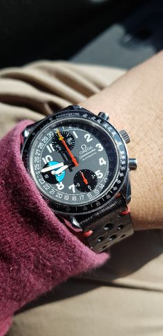Bright day ! Omega Speedmaster MK40 Seri 56xxx.xxx #omega #omegaspeedmaster #omegaspeedmastermk40 Fine Watches, Wrist Watches, Omega Speedmaster, Luxury Watches For Men, New Outfits, Omega Watch, Bright, Accessories, Clothes