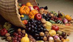 L'#autunno porta con sé prodotti dai #sapori forti e inimitabili, che evocano subito #tavole imbandite e piatti #sfiziosi. Nella spesa di #ottobre non possono mancare #funghi e #castagne, ma ci sono tanti altri prodotti che accenderanno il gusto della vostra cucina! Ecco la frutta e verdura di stagione di ottobre!  ✔ #Funghi ✔ #Zucca ✔ #Porro ✔ #Sedano ✔ #Barbabietole ✔ #Cavolfiore ✔ #Broccoli ✔ #Uva ✔ #Melograno ✔ #Cachi ✔ #Pere ✔ #Kiwi ✔ #Fichi ✔ #Prugne