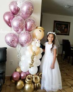 Image may conain: 1 person First Communion Cakes, First Communion Dresses, First Holy Communion, Elephant Party, Balloon Columns, Ideas Para Fiestas, 12th Birthday, Balloon Bouquet, Event Organization