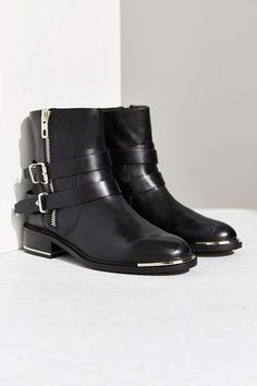 Dolce Vita Zachary Boot - Urban Outfitters