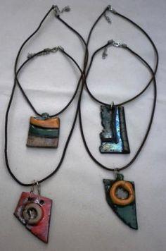 collar de ceramica rakù collares rakù ceramica-,esmaltes ceramicos y,cuero modelado y,horno rakù