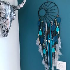 Dream catcher weaving Black Sun in turquoise Teal and gray Diy Dream Catcher For Kids, Dream Catchers, Diy Wind Chimes, Teal And Grey, Sewing Studio, Turquoise, Metallic Paint, Wooden Beads, Projects To Try