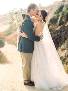 Photography : Danielle Poff Photography Read More on SMP: http://www.stylemepretty.com/2015/06/18/organic-elegant-orange-county-estate-wedding/