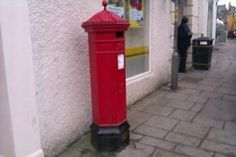 Penfold pillar box in Richmond, North Yorkshire. Antique Mailbox, Letter Boxes, Post Box, North Yorkshire, Post Office, Telephone, Vans, Antiques, Outdoor Decor