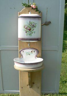 Ancienne fontaine émaillée déco fleurs émail maison Shabby déco XIX ème