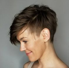 Androgynous Side-Parted Taper Cut