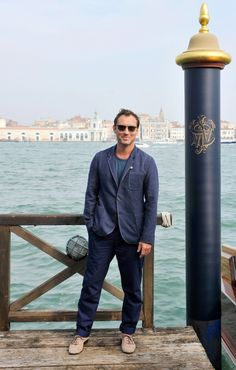 Jude Law Helps Johnnie Walker Celebrate 'The Gentleman's Wager' Launch at Venice Film Festival Johnny Walker Blue Label, Jude Law, Judo, Perfect Man, Short Film, Film Festival, Venice, Beautiful Men, Actresses