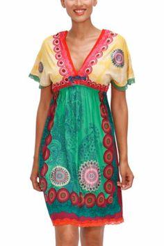 Vestito da donna Desigual modello Soraya della linea Fun. Un abito a manica corta super originale sia per il modello che per la combinazione di stampe e le finiture colorate in pizzo